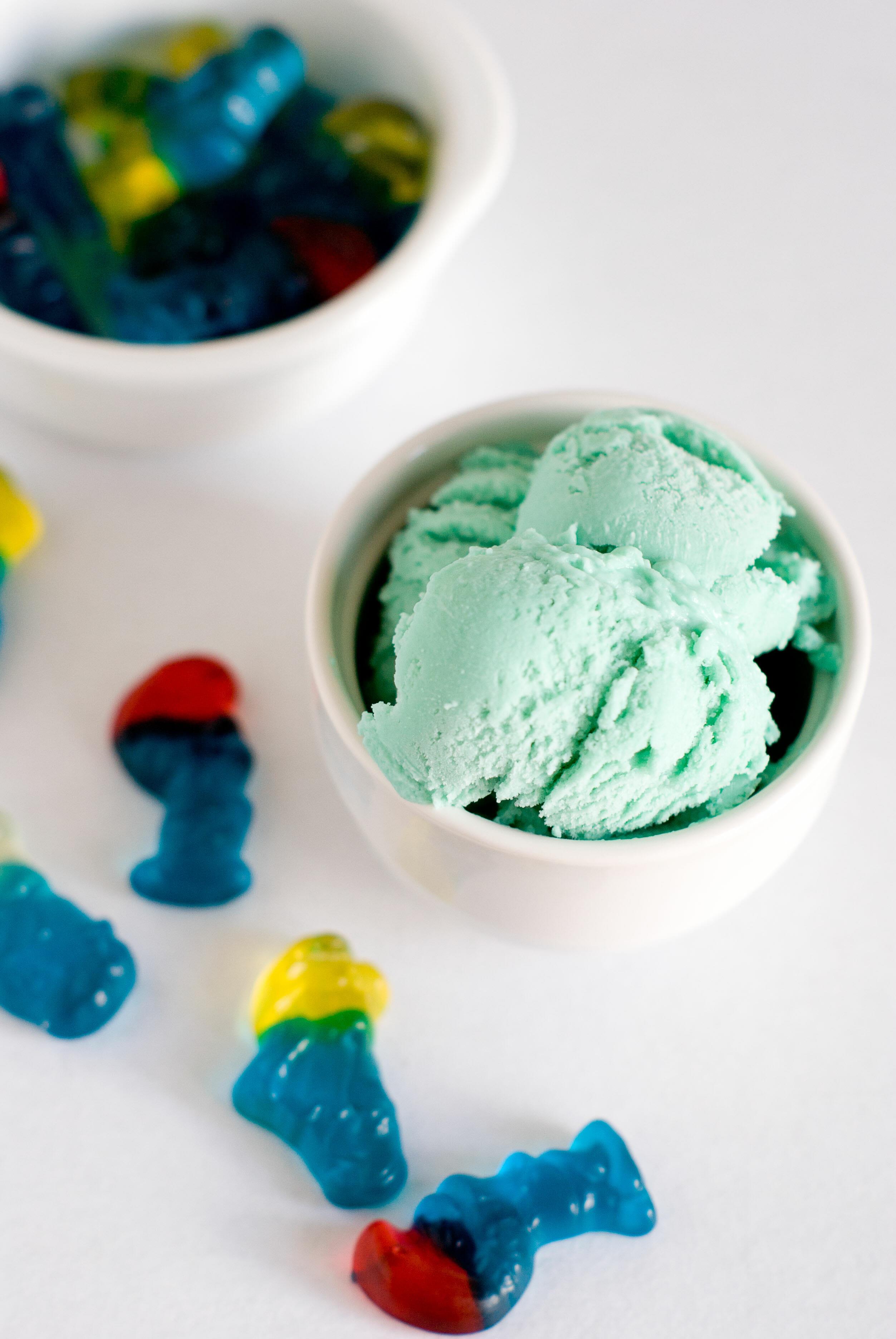 Crème Glacée aux Bonbons Schtroumpfs | Lilie Bakery 4