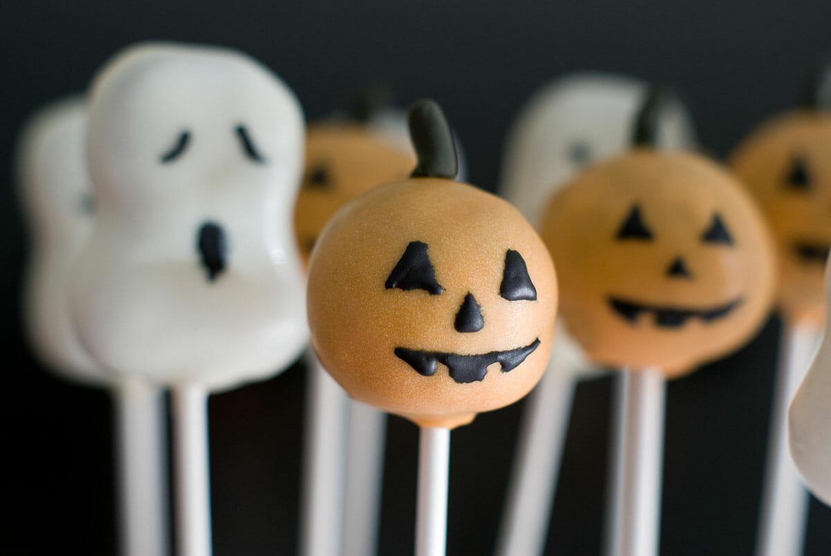 cake pops d'halloween: citrouilles, fantômes & co | lilie bakery