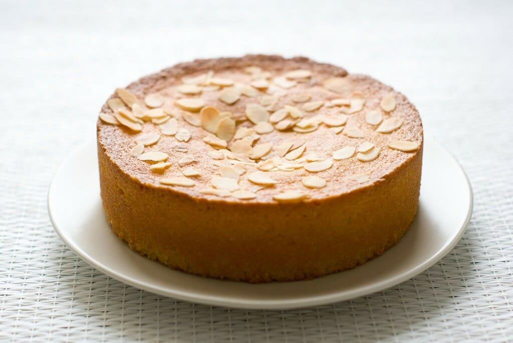Amandier recette gâteau fondant amandes entier - Lilie Bakery