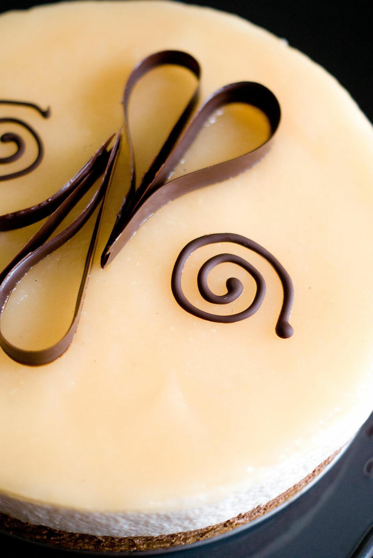 Décor chocolat bavarois entremets - Lilie Bakery