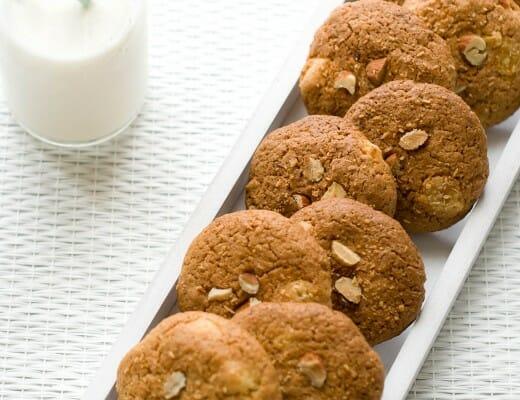 Cookies Amandes, Noix de Coco & Abricots Secs | Lilie Bakery 1