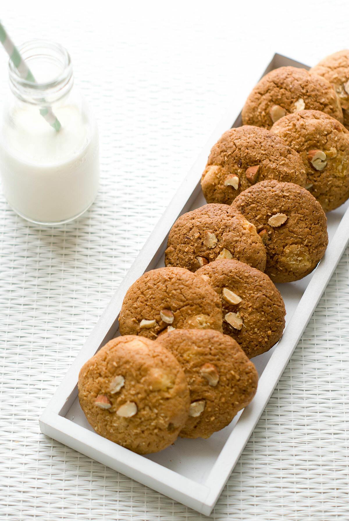 Cookies Amandes, Noix de Coco & Abricots Secs   Lilie Bakery 1