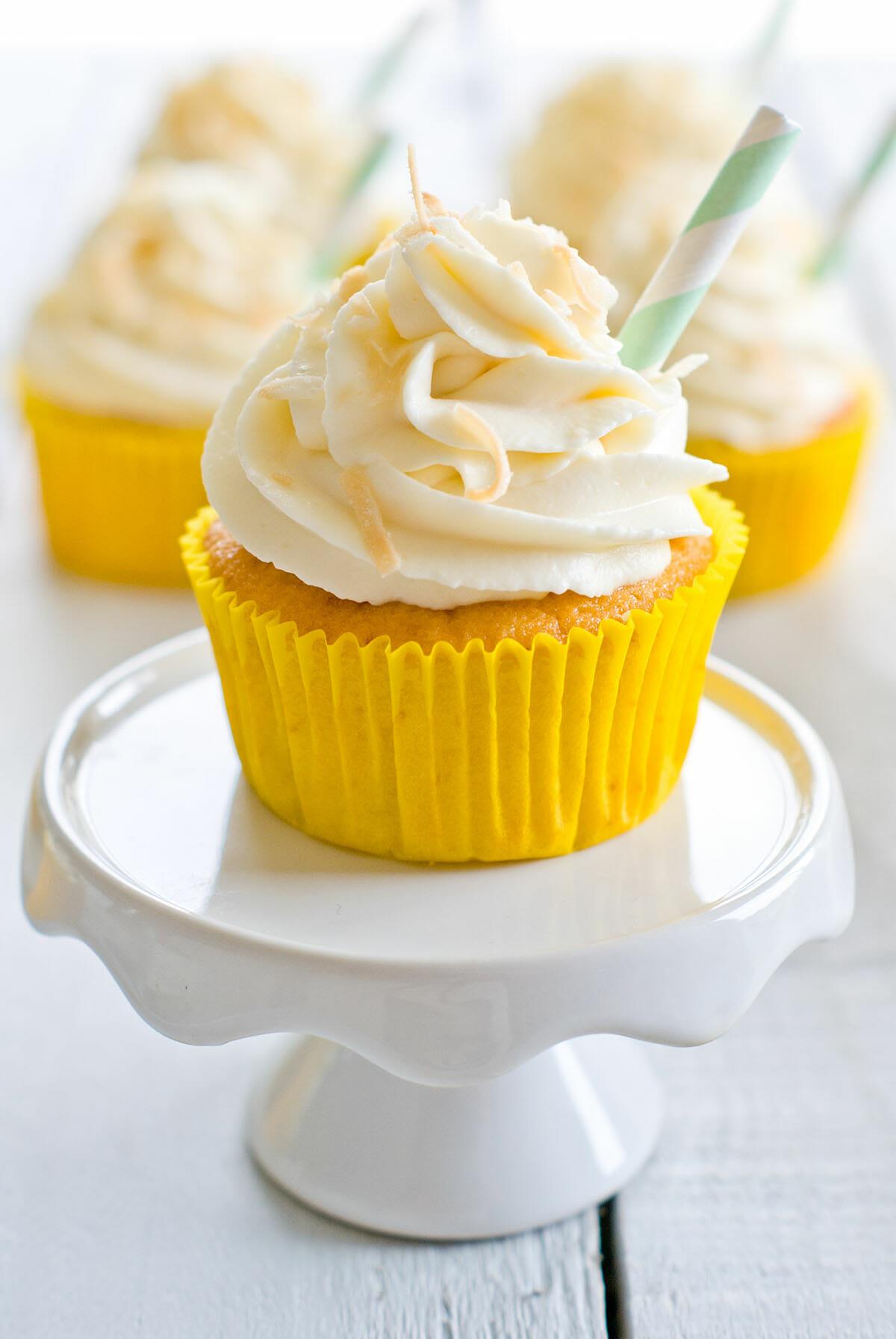 Cupcakes Façon Piña Colada | Lilie Bakery 2