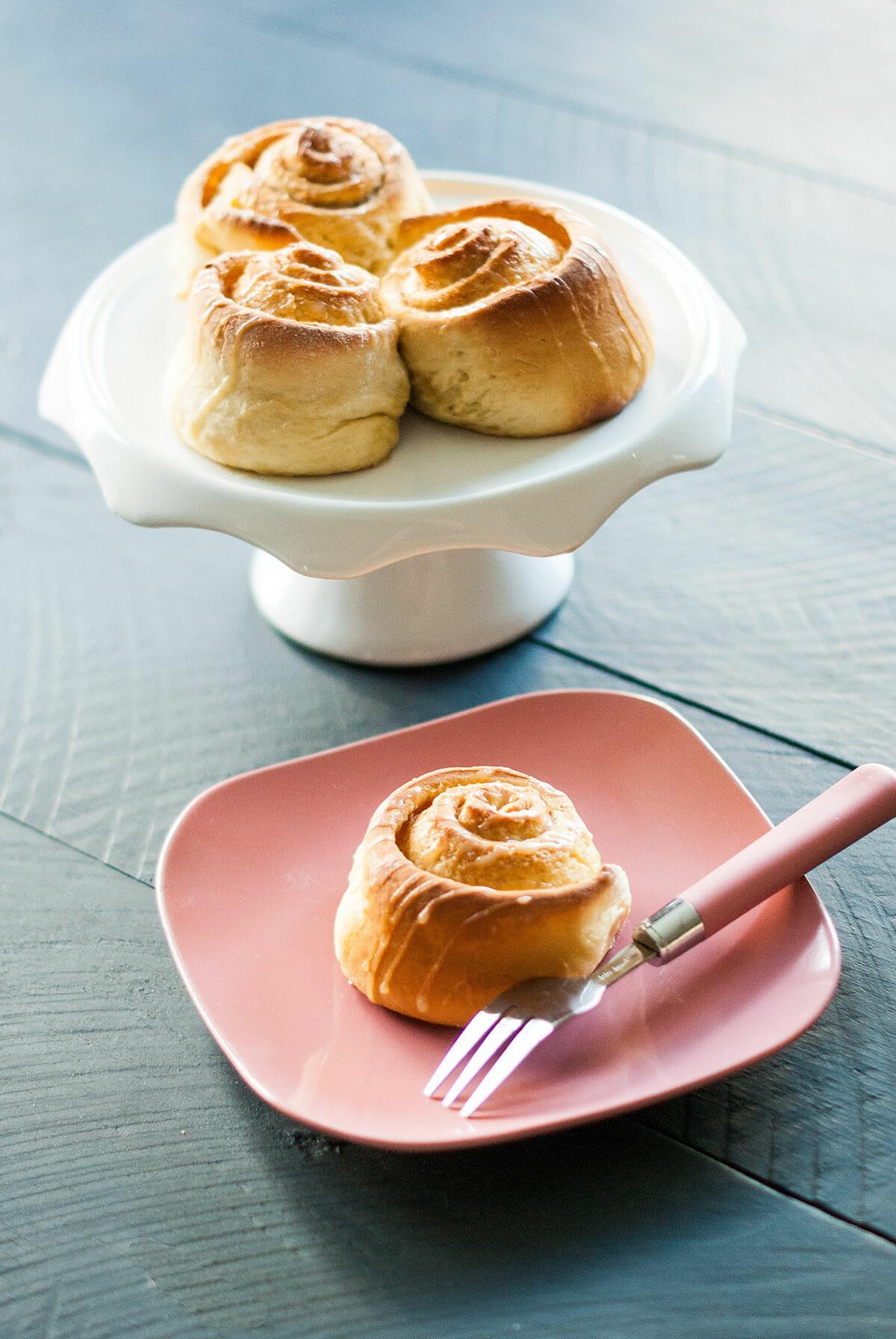 Cinnamon Rolls {Brioches roulées à la Cannelle} | Lilie Bakery 2