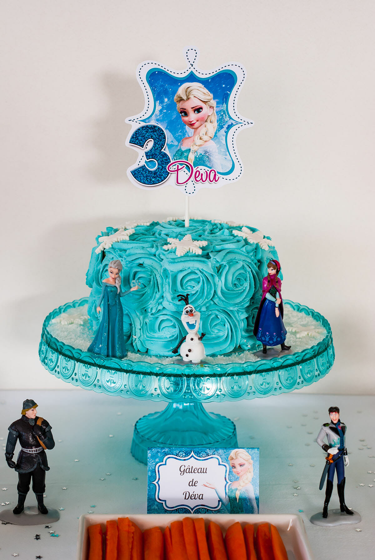 Sweet table anniversaire reine des neiges lilie bakery - La reine de neige ...
