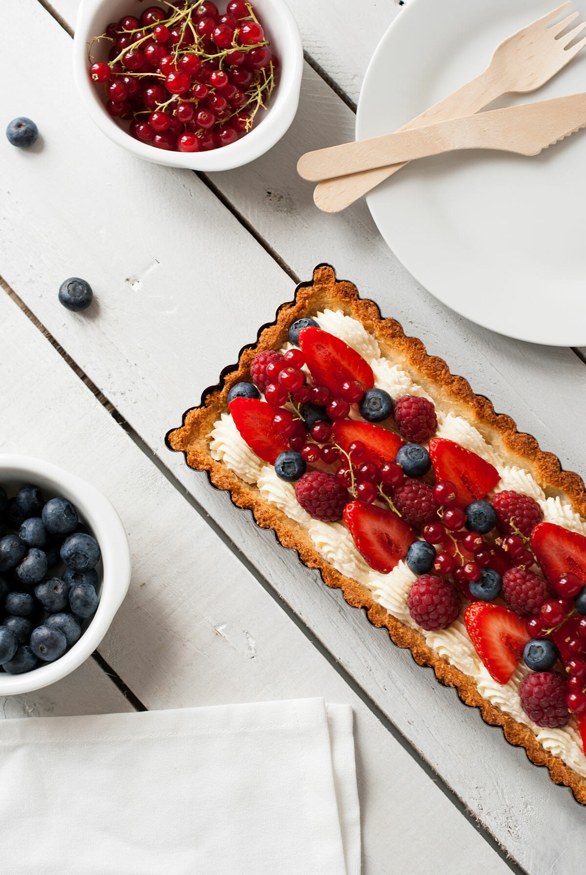 Tarte fruits rouges vanille coco | Lilie Bakery