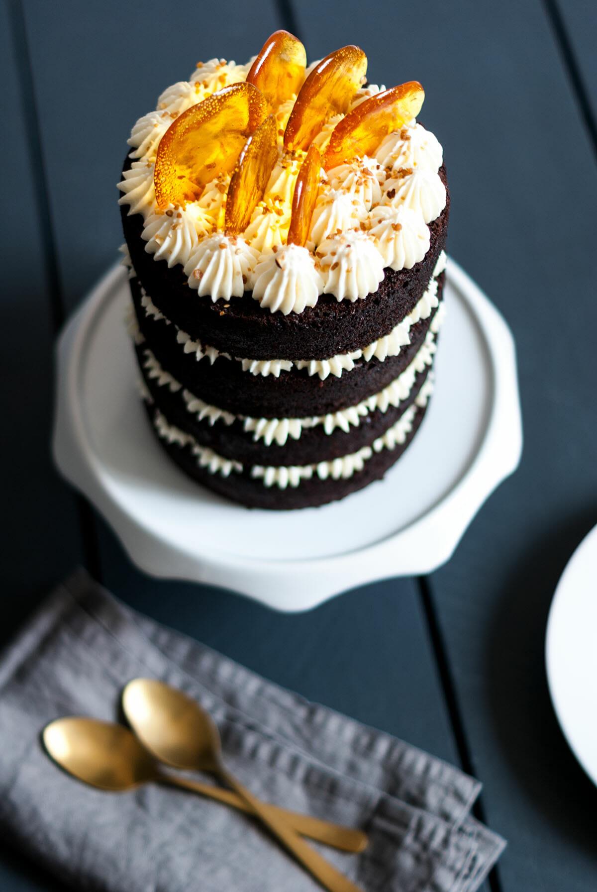Naked cake chocolat vanille caramel | Lilie Bakery