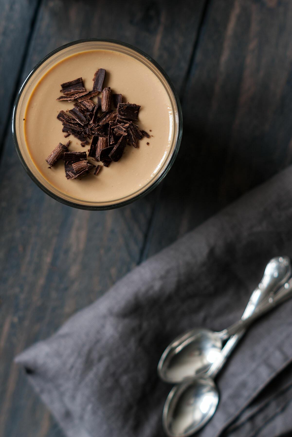 Panna cotta penchée café vanille 3 | Lilie Bakery