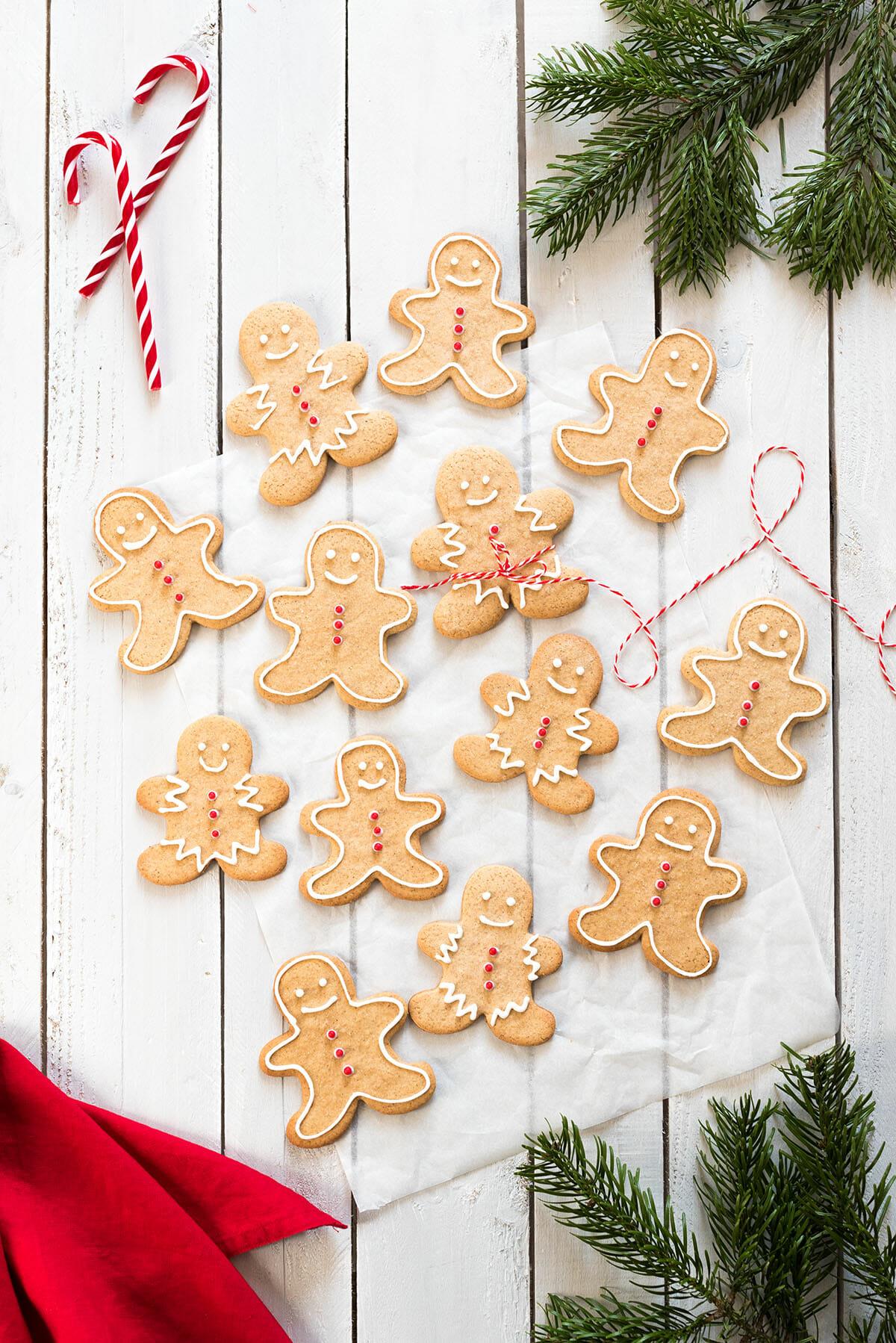 Decoration Biscuit Noel.Biscuits De Noël Au Pain D épices Gingerbread Cookies