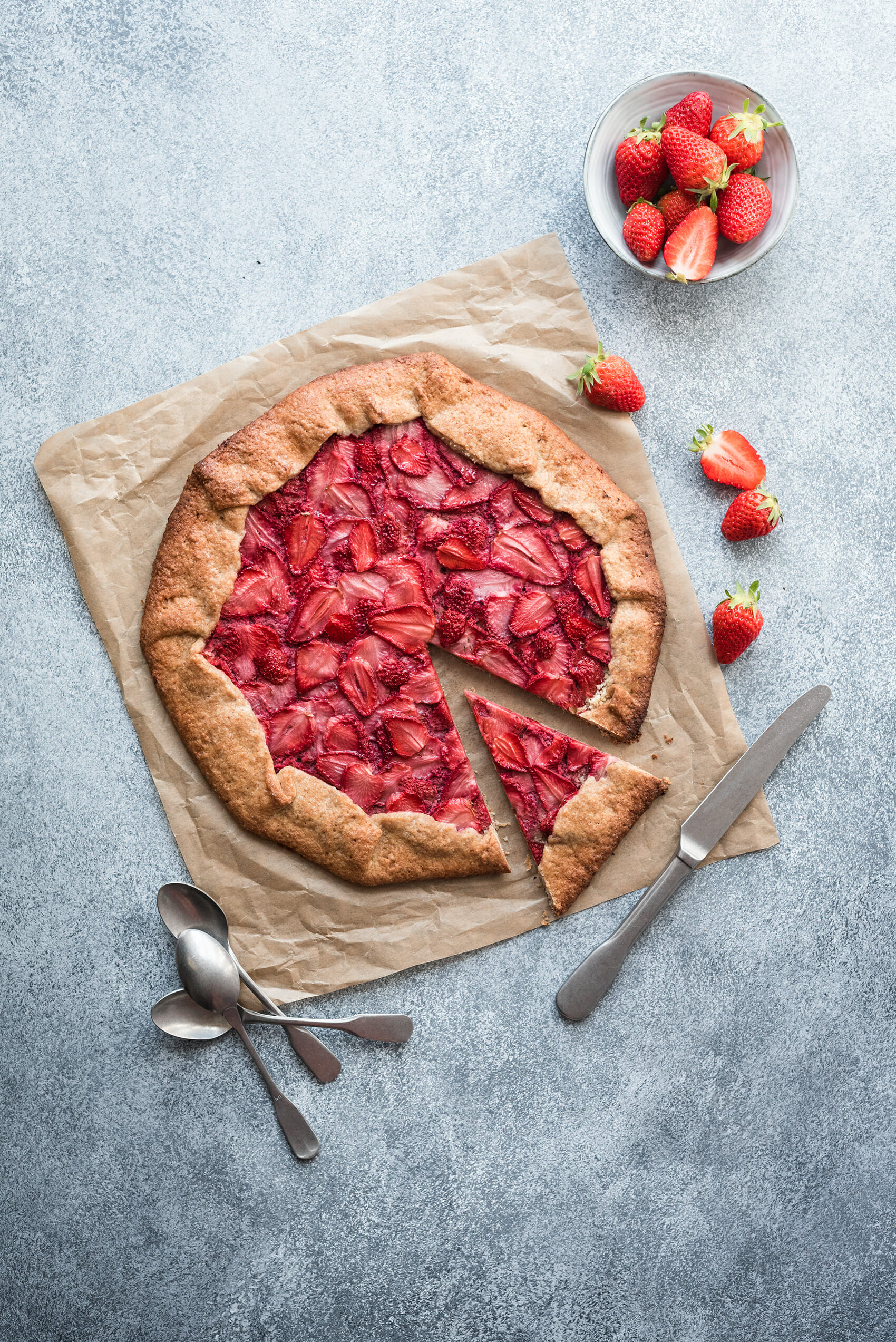 Tarte rustique aux fraises - Lilie Bakery