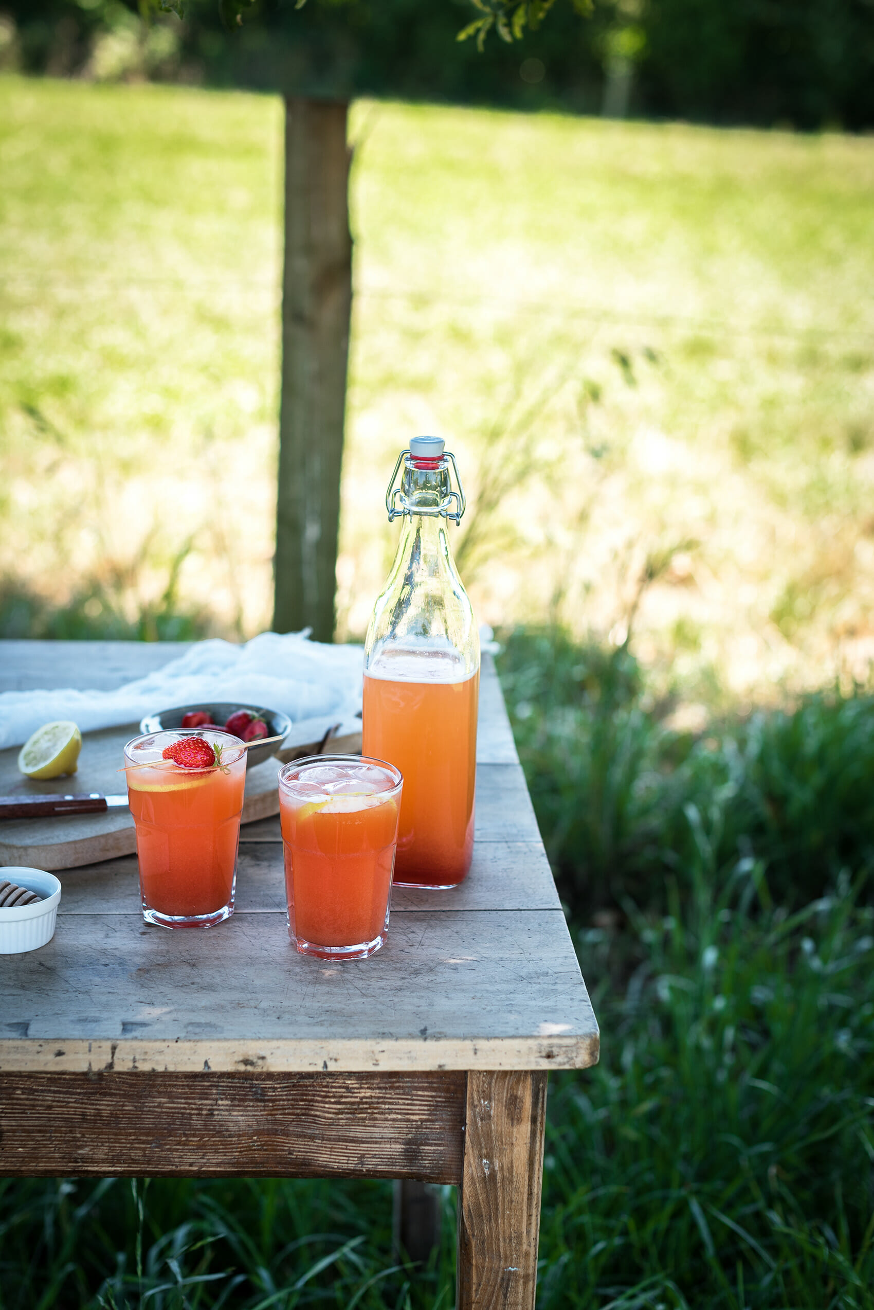 Limonade fraise rhubarbe - Lilie Bakery