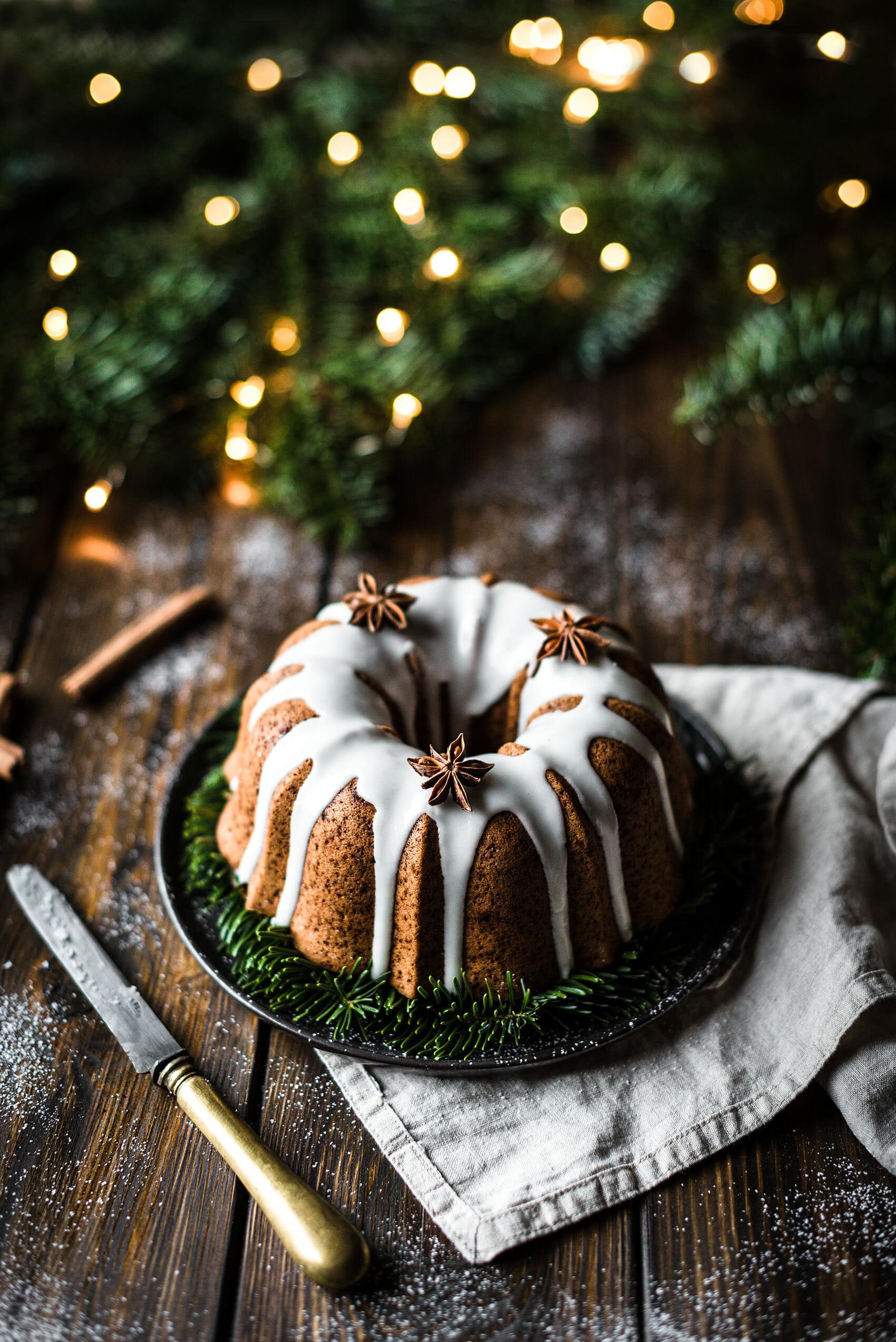 Bundt cake pain d'épices glacage miel - Lilie Bakery