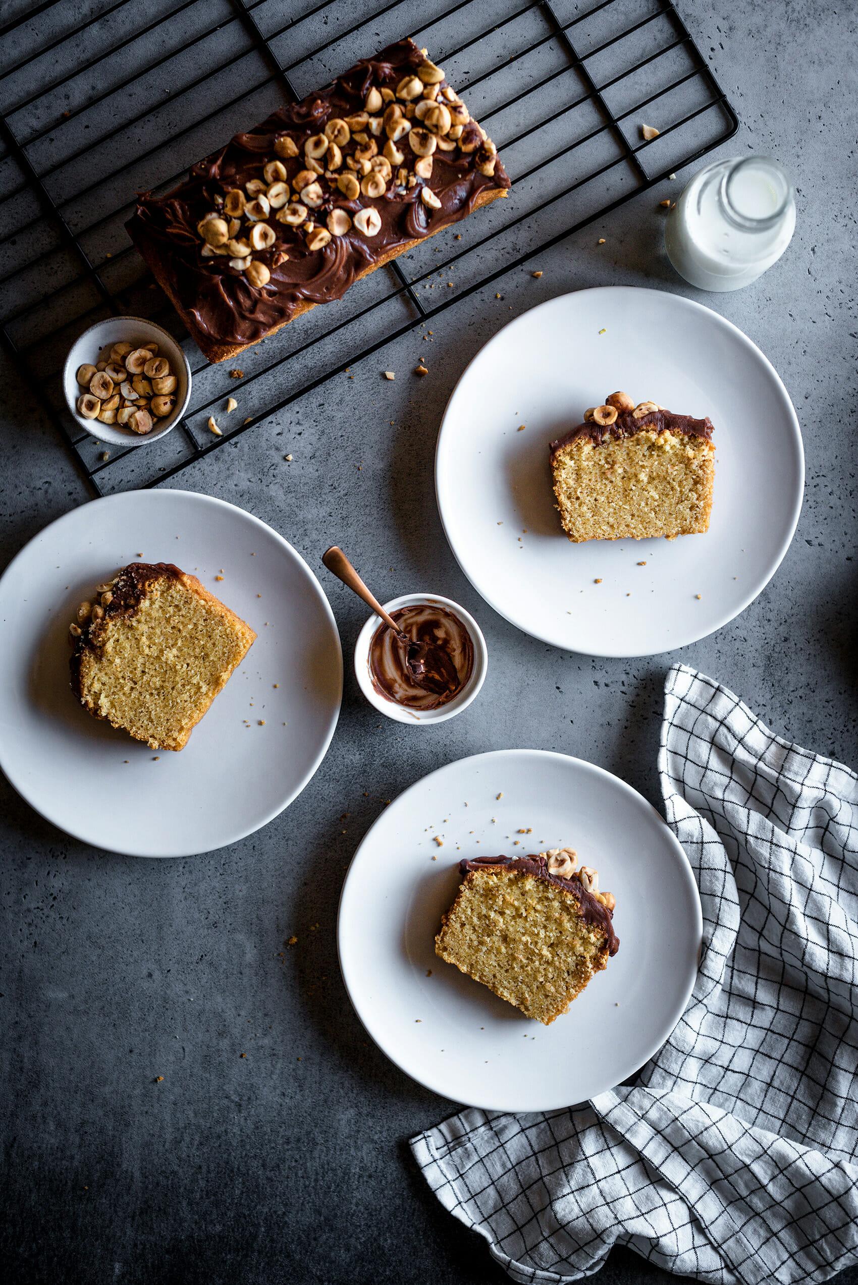 Cake noisettes torréfiées et ganache chocolat praliné - Lilie Bakery