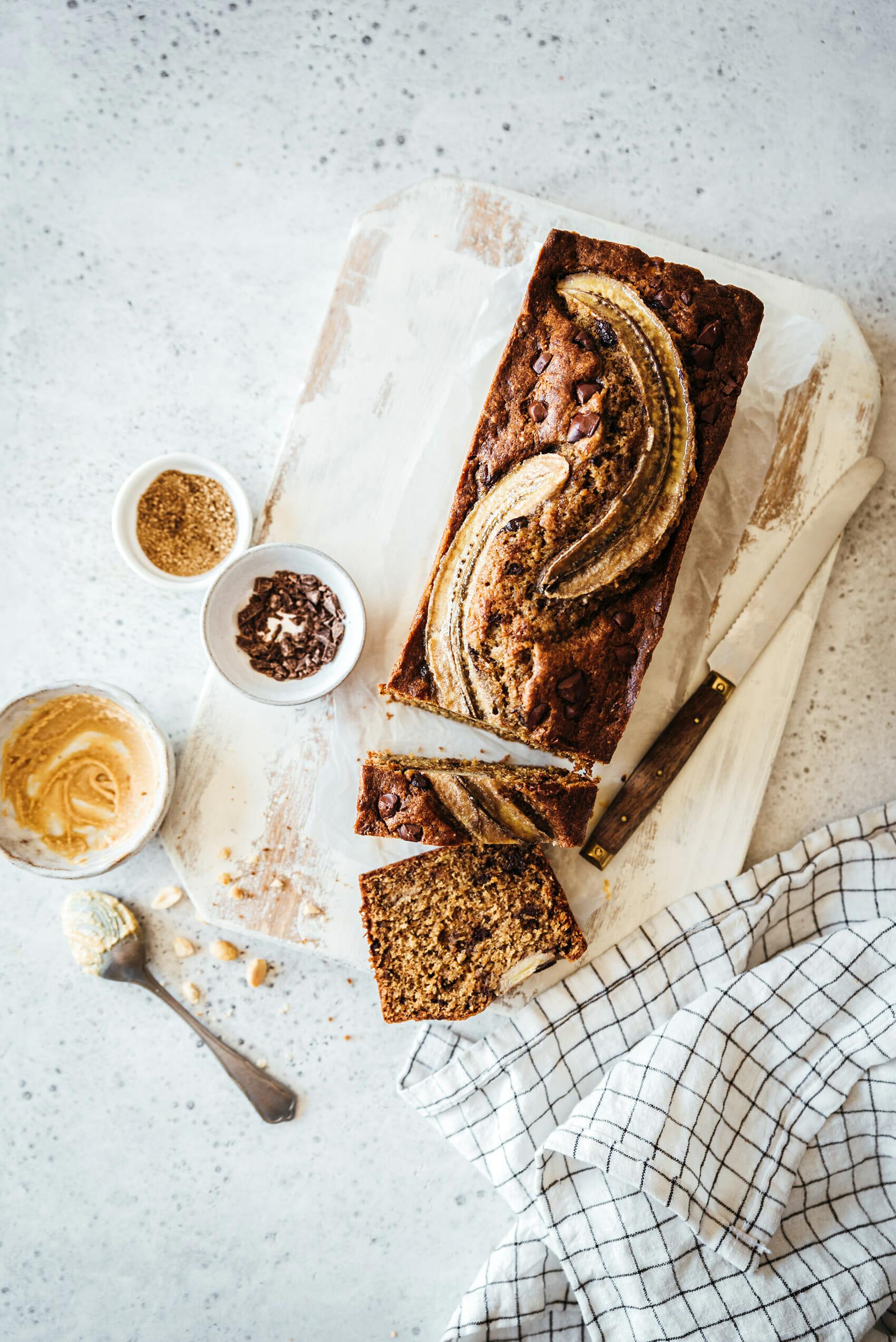 Banana bread beurre de cacahuète & pépites chocolat - Lilie Bakery