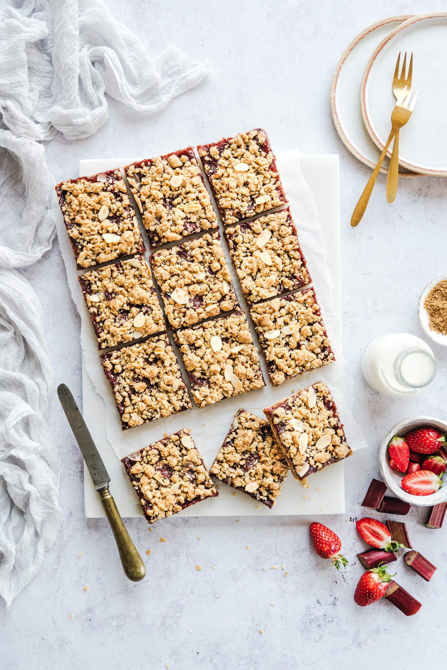 Tarte crumble fraise-rhubarbe - Lilie Bakery