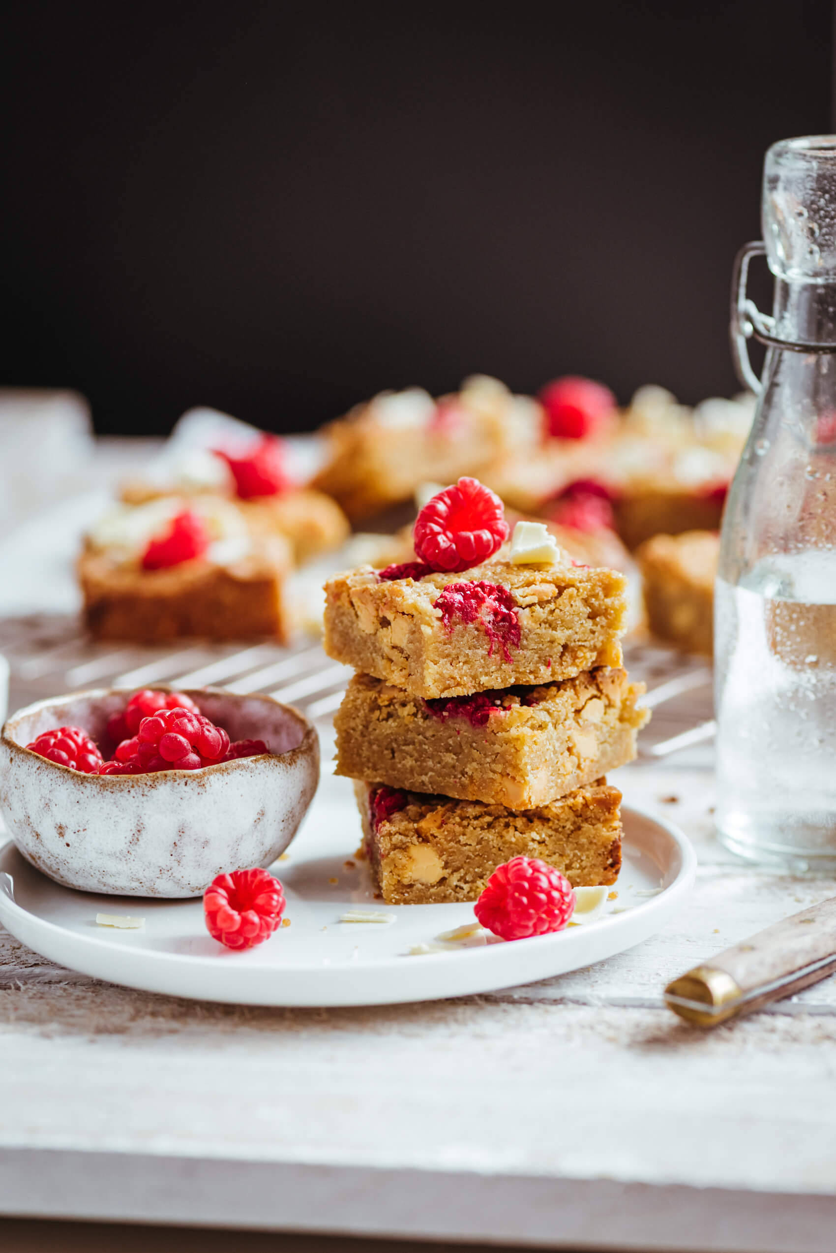 Blondie framboises chocolat blanc - Lilie Bakery