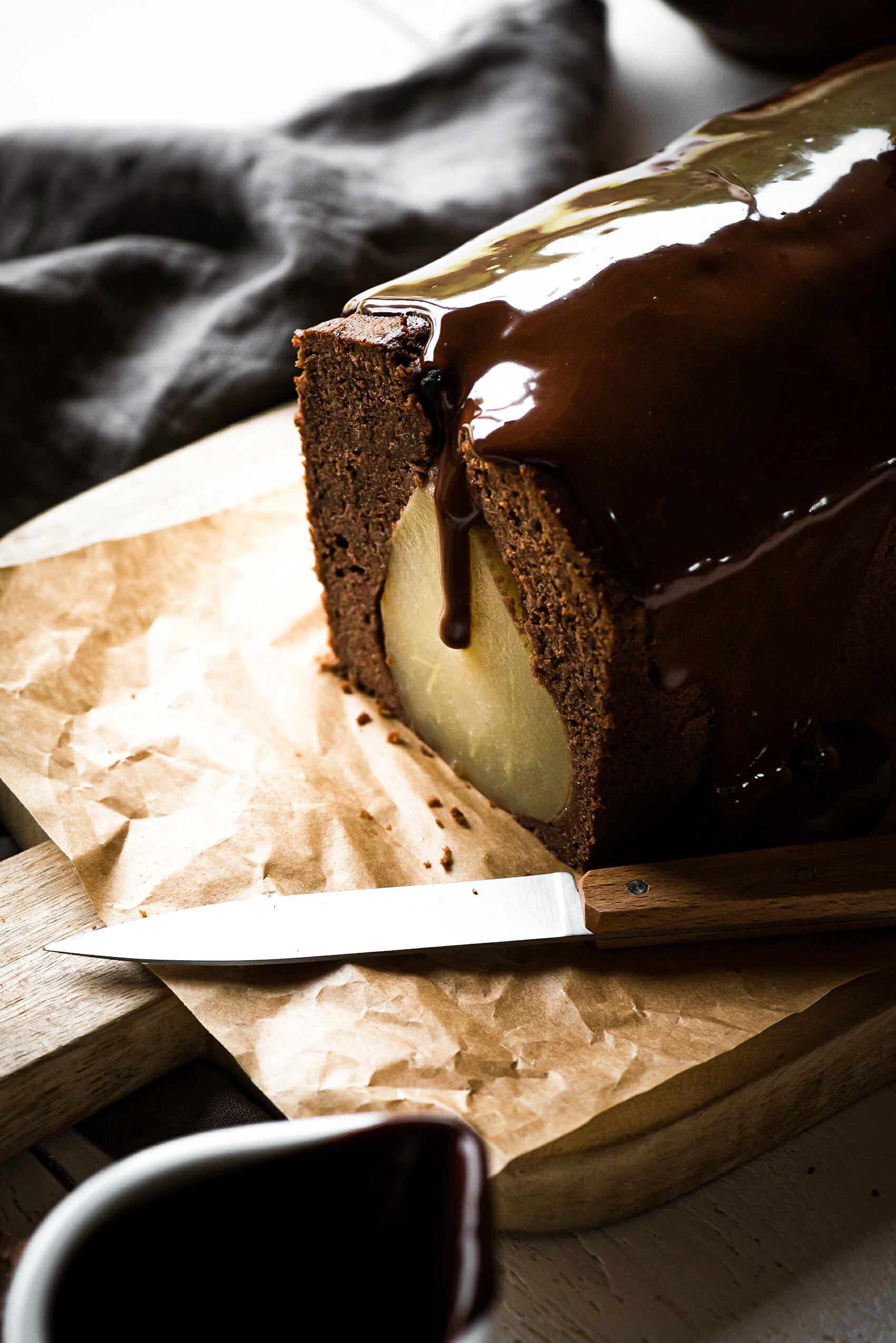 Cake poire chocolat tranché - Lilie Bakery