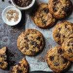 Cookies sésame pépites de chocolat tahini - Lilie Bakery