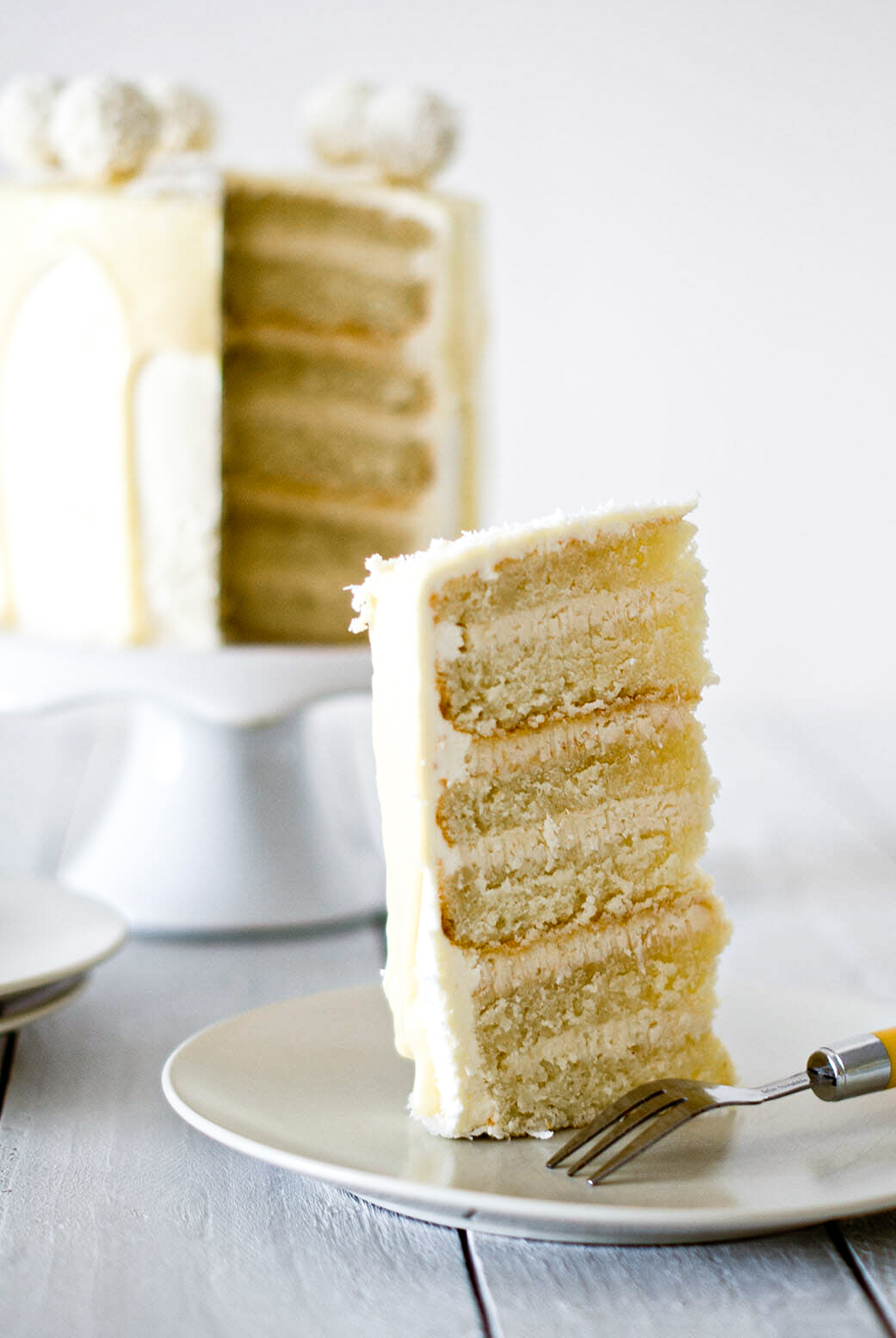 Layer cake gâteau raffaello - Lilie Bakery