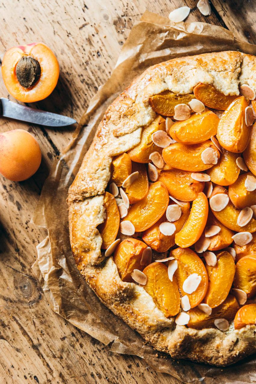 Tarte rustique abricot - Lilie Bakery