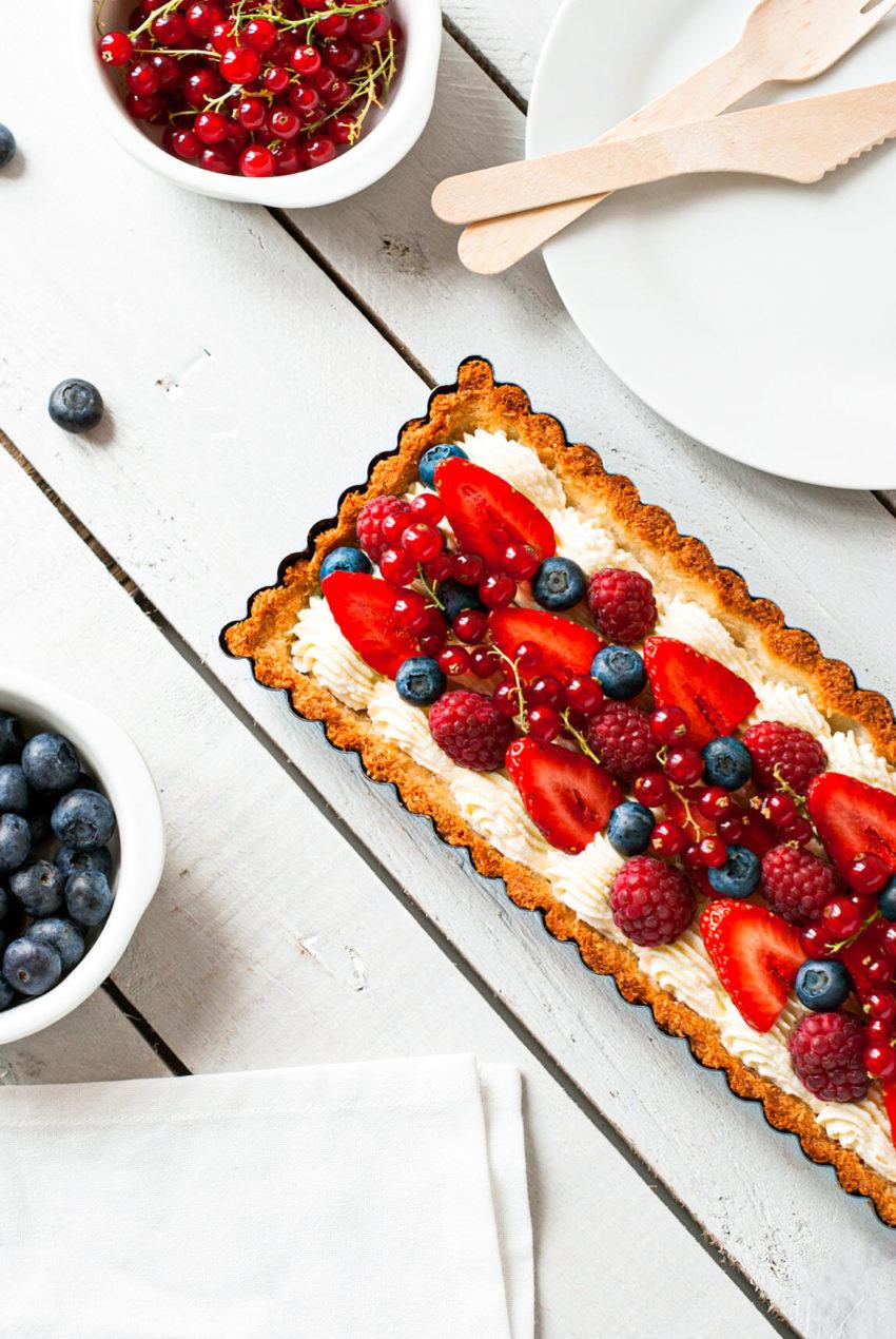 Tarte Mascarpone Fruits Rouges Noix de Coco - Lilie Bakery