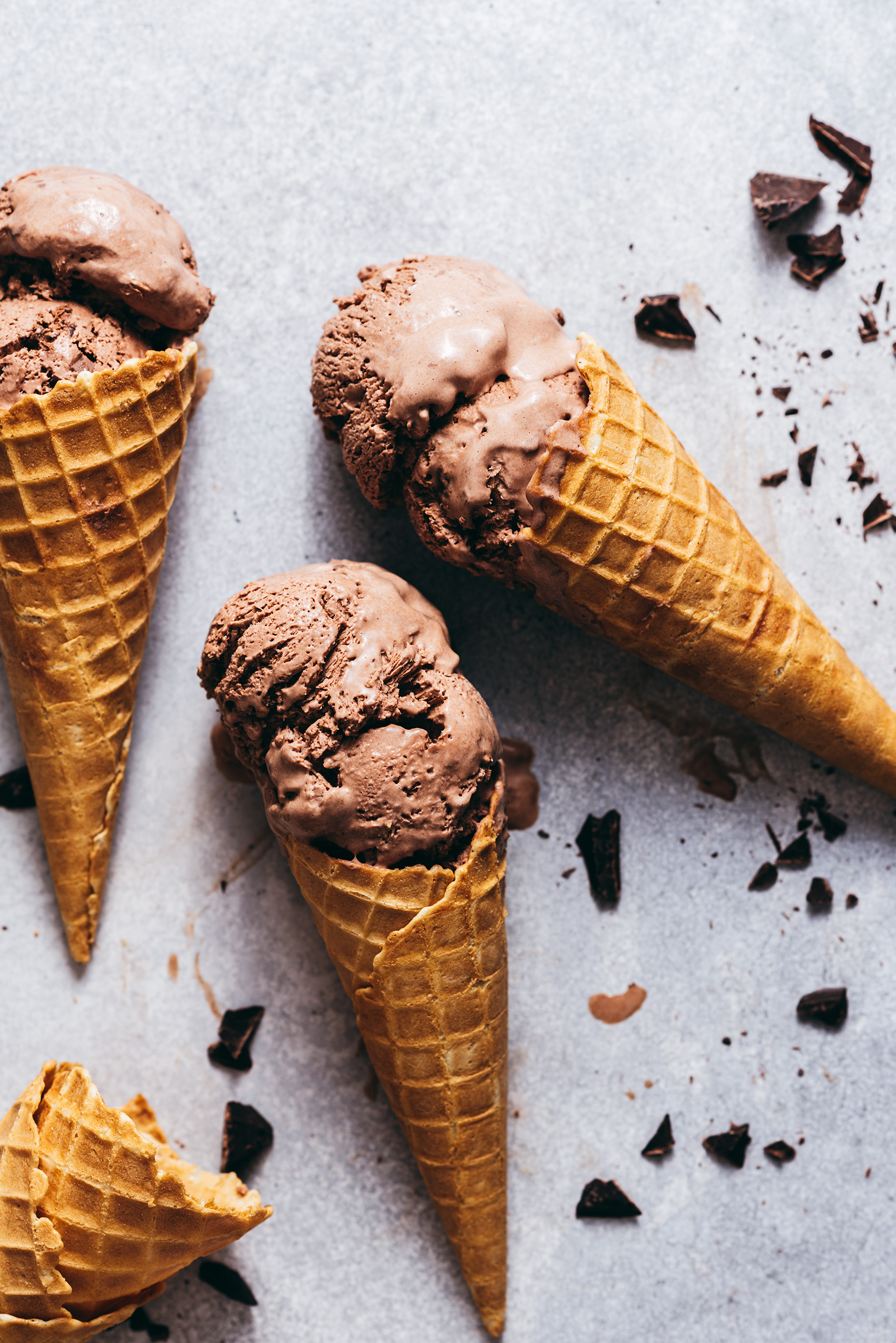 Chocolate ice cream without ice cream maker - Lilie Bakery