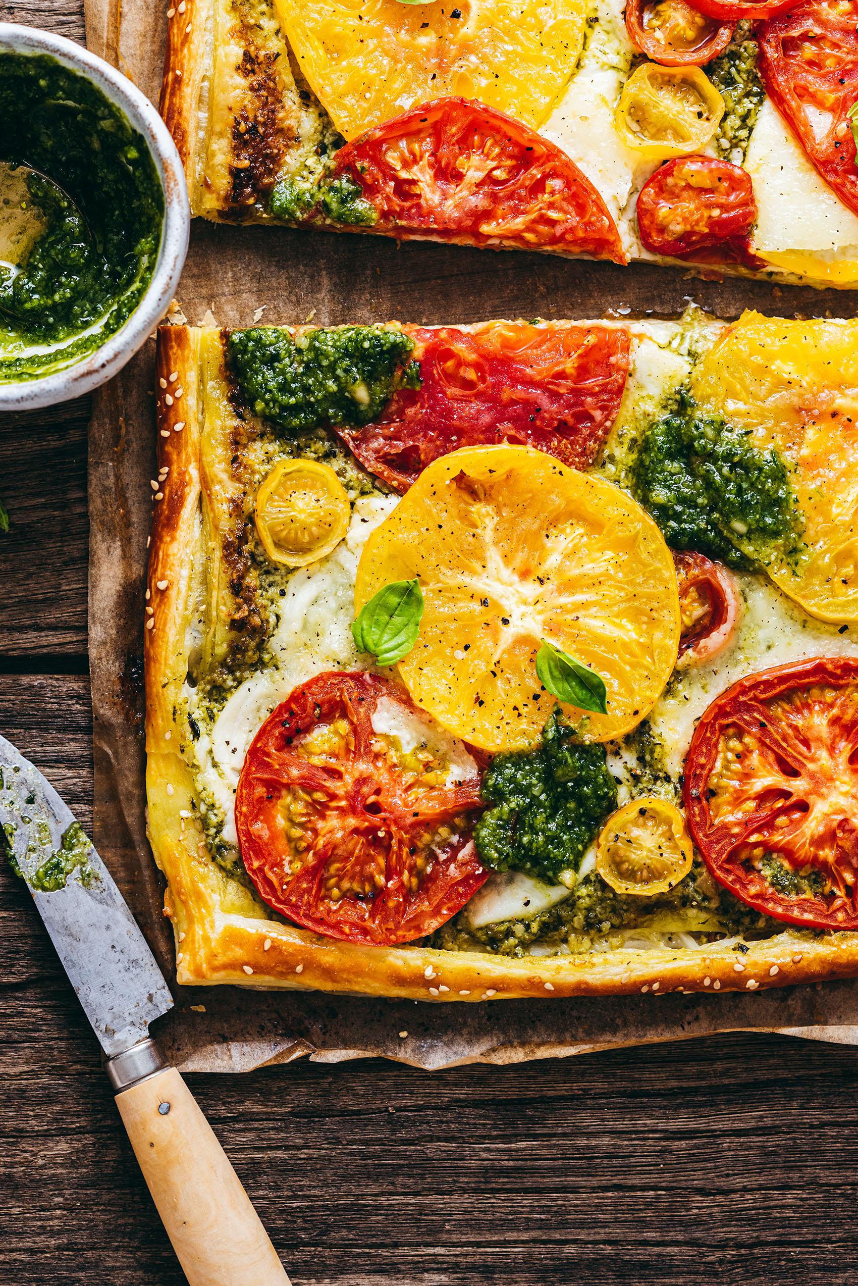 Tomato mozzarella pesto tart - Lilie Bakery